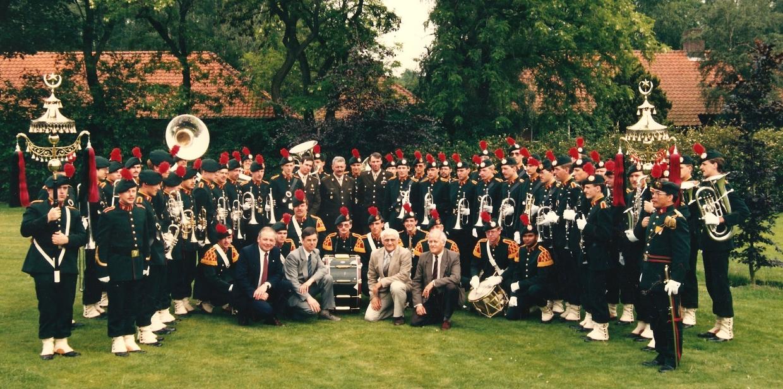 Fanfarekorps met schellebomen in Seedorf