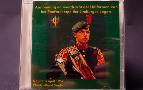 CD Overdracht uniformen